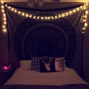 Selling a tapestry!!